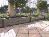 32_quantum-stone-pavers-with-sleepers-retaining
